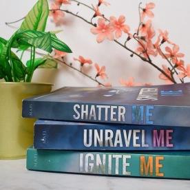 shatter me-1